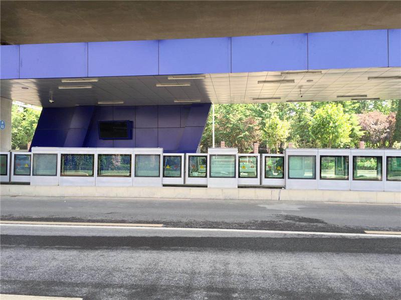 濟南BRT站臺安全門案例_濟南BRT城市快速公交項目圖片